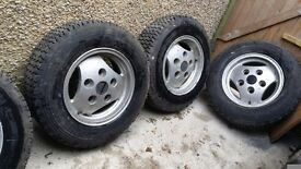 16 inch RANGE rover Alloys with excellent tyres