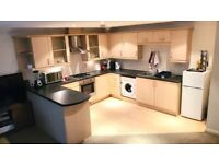 1 Bedroom flat to rent in Copthorne
