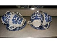 £5**6 CUPS AND SAUCERS