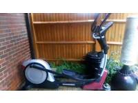 ProForm 900 ZLE Elliptical Cross Trainer (with Ifit Live Compatibility)