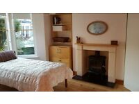 Sunny double room in Southville
