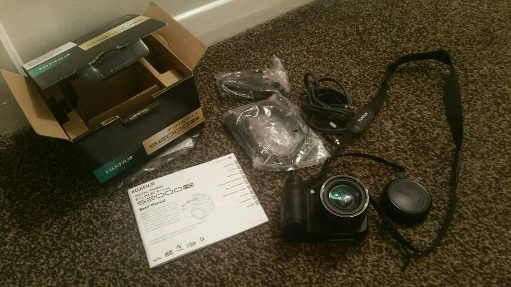 Finepix 2000 HD digital camera boxed