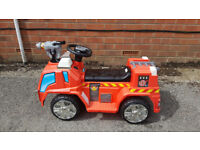 Electric Fire Engine with bubble gun almost new