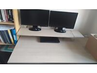 Office Desk And Lockable Drawers