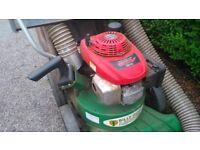 Billy Goat Leaf Vacuum including shredder / chipper and Honda engine