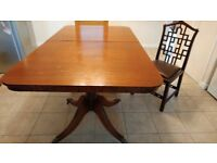 Extending Dining Table with 2 leaves and 8 chairs