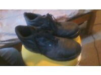 MENS SIZE 7 STEEL TOE CAP BOOTS