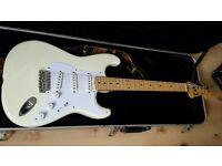 Fender stratocaster white with peavey blazer 158
