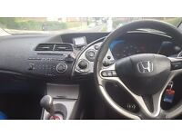 Honda civic 1.8 with back seat dvd player and bluetooth parrot
