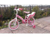 Girls Hello Kitty bike very good condition
