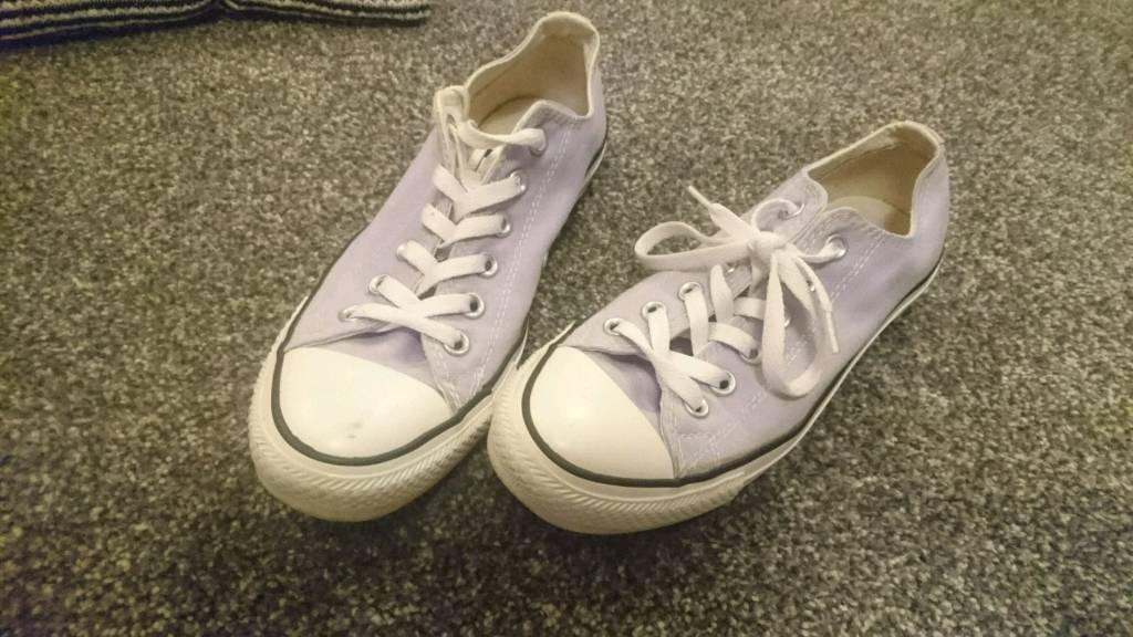 Lilac converse trainers size 6