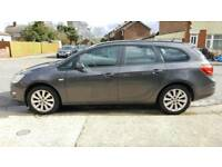Vauxhall Astra 1.7 cdti 2011 (New shape) ecoflex Exclusive estate £30 yr tax FSH 2 owners from new