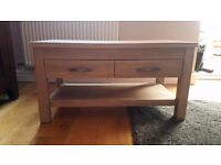 Coffee table perfect condition can be use as tv unit