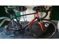 giant defy road bike medium frame