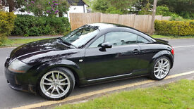 AUDI TT QUATTRO - BLACK - 12 MONTHS MOT AND NEWLY SERVICED - PERSONALISED PLATE INCLUDED!
