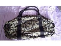 Women's handbags, bag - lovely styles and new without tags