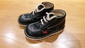 Boys navy blue andanines kickers style boots 8.5 infants
