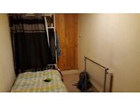 Single room for rent available from 07/10