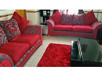 PRE-OWNED DFS SOFAS EXTRA LARGE 3 SEATER + 2.5 SEATER