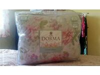 Dorma Country Garden (Charlbury) quilted throw
