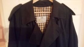 AQUASCUTUM trench coat amazing condition paid 400£ only 35£ size XL-XXL