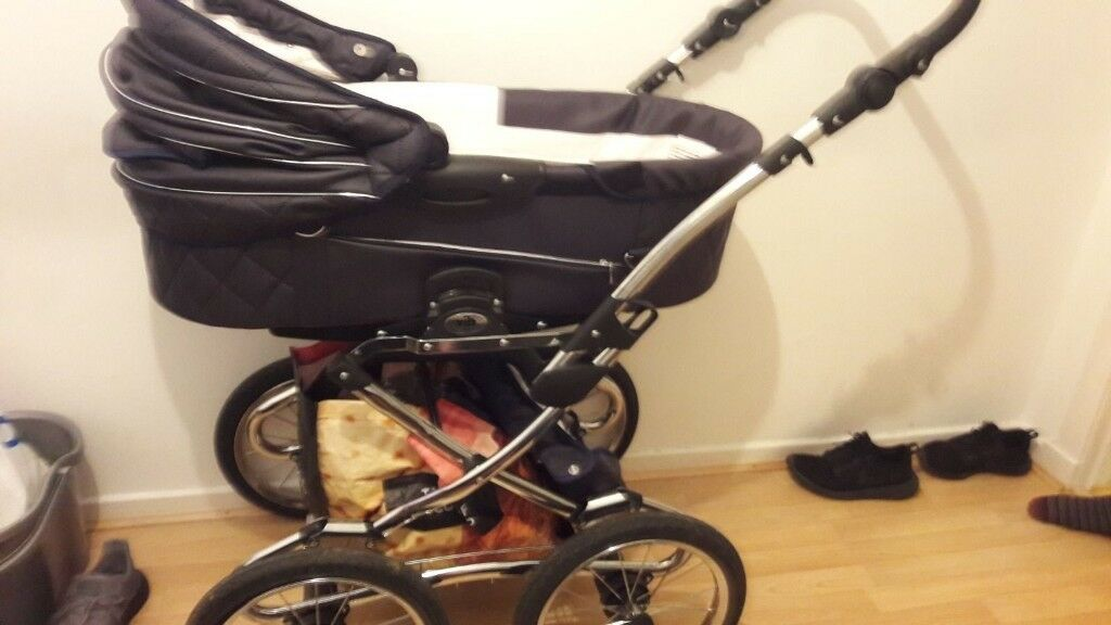 Pram, stroller and car seat three in one (price negotiable)