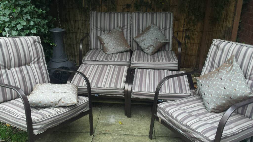 5 piece garden furniture cost £600 wants £85 can be jet washed every year