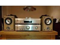 Denon cd player with amplifiser and two speakers
