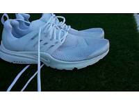Nike mens trainers size 12 slight nick in toe good condition