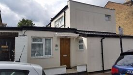 3 BEDROOM FLAT TO LET TO RENT ROMFORD RD E12 5JT UPSTAIRS BEDROOM EN-SUITE NO AGENCY FEES!