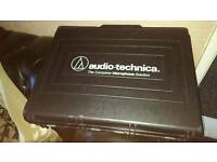 Audio Technica 3000 series microphone, receiver and official case.
