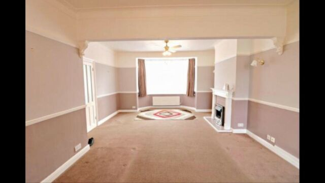 Brilliant Spacious 3 Bed House In Romdord Part Dss Welcome In Romford London Gumtree Home Interior And Landscaping Ymoonbapapsignezvosmurscom