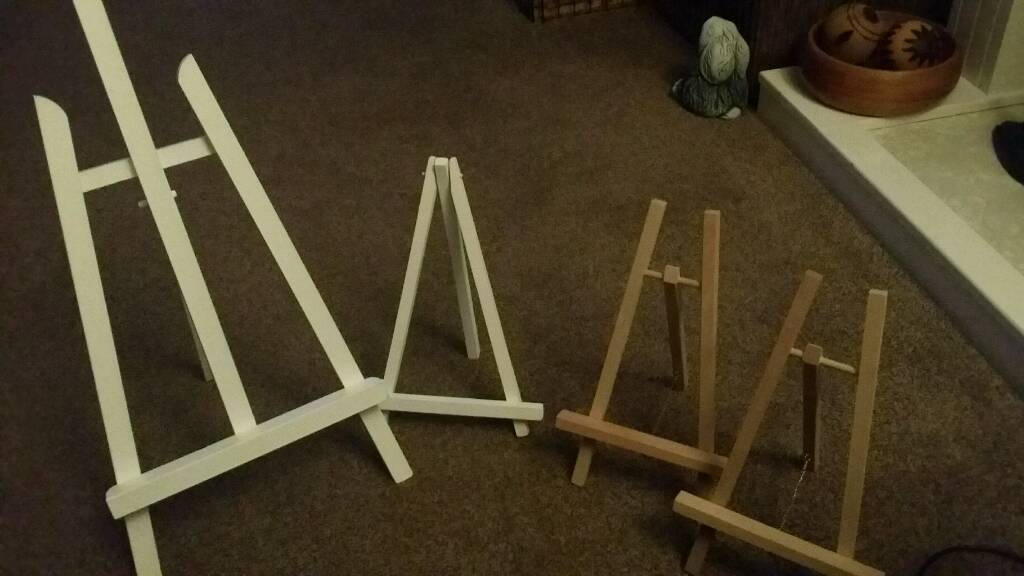 1 large and 3 small easels