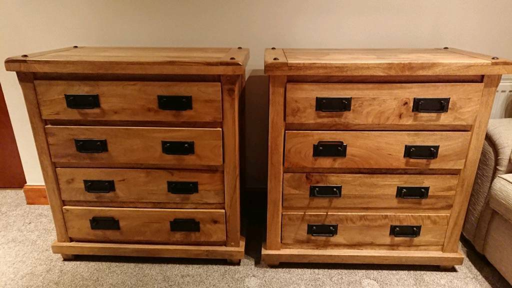 2 Solid Oak Bedroom Chests Of Drawers