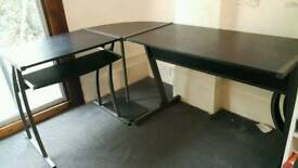 Black wooden corner/ L-shaped office desk