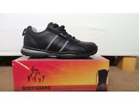 NEW RUGGED TERRAIN MENS BLACK LEATHER SAFETY / WORK TRAINERS SIZE 8 (42)