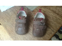 Clarks brown leather pre walkers 4G