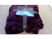 CRUSHED FAUX FUR THROW ( NEW ) 130x180cm