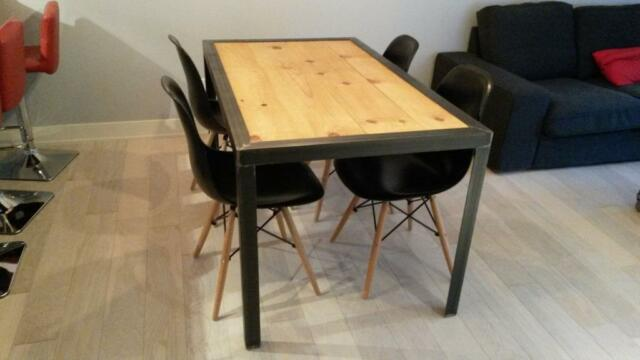 TABLE EN ACIER ET BOIS FRANC INDUSTRIEL  dining tables and sets  Greater Mo