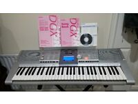 Yamaha Keyboard PSR-295, 61 key's Full Piano with stand and book holder full manuals + CD !!!