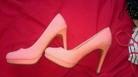 Size 6 New Look Heels
