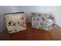 2 VINTAGE 1960S 7 INCH VINYL RECORD HOLDERS CARRY CASES FUNKY PATTERNS FAB DECOR DISPLAY STORAGE GC