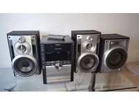 Panasonic hi-fi, radio, 5 disc CD multi changer, USB and MP3 player with 2 speakers and sub woofer