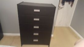 5 draw chest of drawers in black