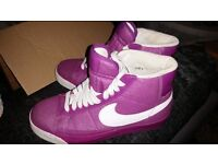 Size 4 glitter nike ladies / girls trainers like new £45 hi top style RARE