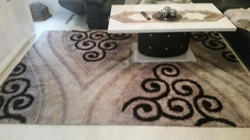 wundersch ner teppich wie neu in berlin spandau heimtextilien gebraucht kaufen. Black Bedroom Furniture Sets. Home Design Ideas