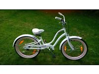 Vintage girls bike approx age 7-10 years