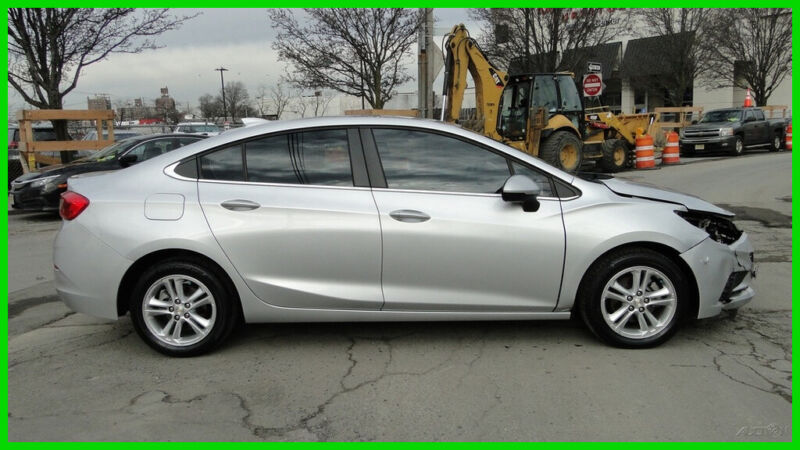 Image 1 Voiture American used Chevrolet Cruze 2017