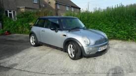 Silver Mini Cooper 1.6 2002