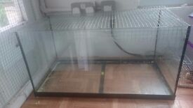 Rodent tank suitable for mice, gerbils